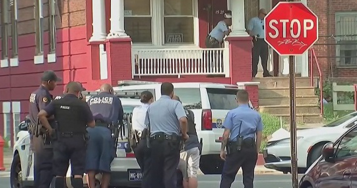 A shooting case in Philadelphia,Six policemen had injured.